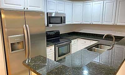 Kitchen, 1002 Kingswood Dr, 1