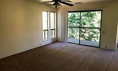 Living Room, 915 Lakeside Dr, 2