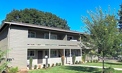 Building, 7830 SE Clackamas St, 1
