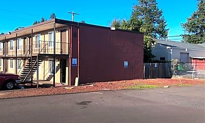 Farmington Apartments, 2