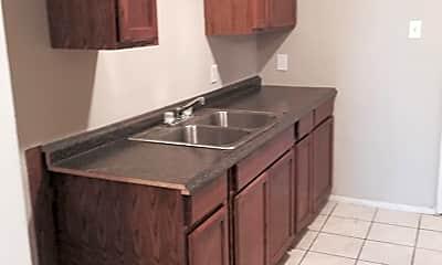 Kitchen, 4307 Winchester Ave, 1