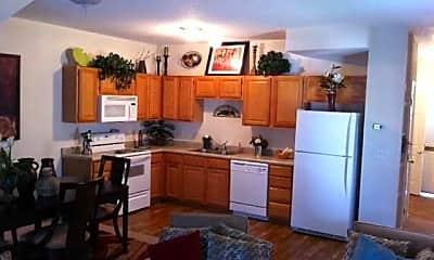 Kitchen, Pinecrest Townhomes, 1