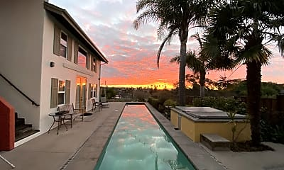 Pool, 400 California St, 1