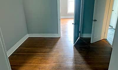 Living Room, 432 W Philadelphia St, 2
