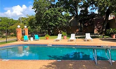Pool, 1527 Wolf Run, 1