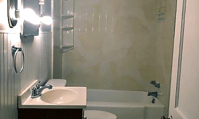 Bathroom, 3115 Portland Ave, 2