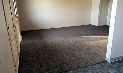 Living Room, 6515 N Harrison St, 2