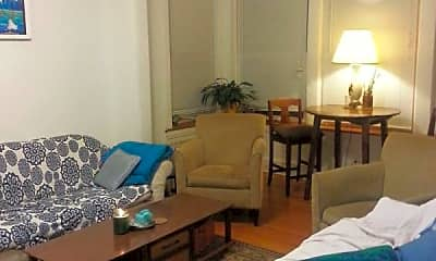 Bedroom, 5055 N Damen Ave., 0
