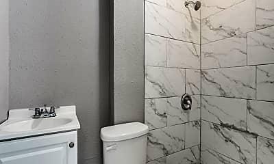 Bathroom, 812 Maltby St, 2