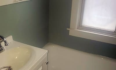 Bathroom, 2639 Holcomb St, 1