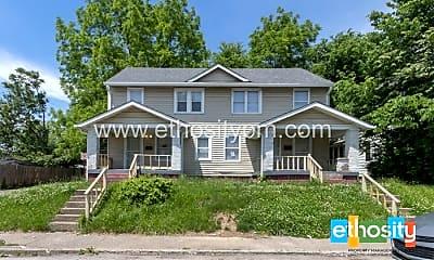 Building, 802 N Lasalle St, 0
