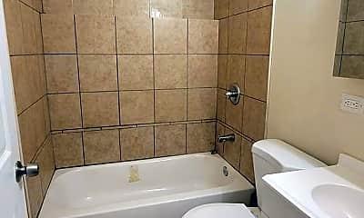 Bathroom, 6669 S Michigan Ave, 2