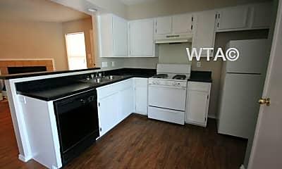 Kitchen, 1001 Nimbus Dr, 1