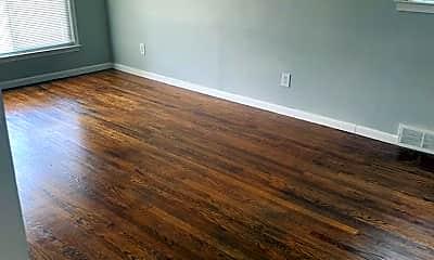 Living Room, 12736 Kelly Rd, 2