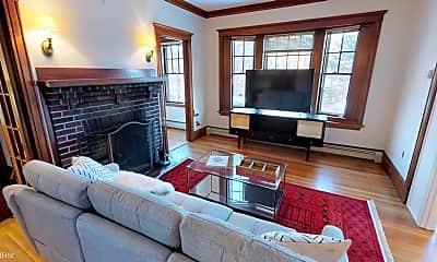 Living Room, 375 Mt Auburn St, 1