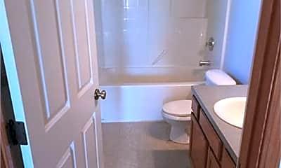 Bathroom, 155 NE Kettle St, 1
