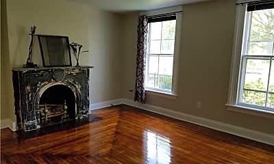 Living Room, 236 Grand St, 2