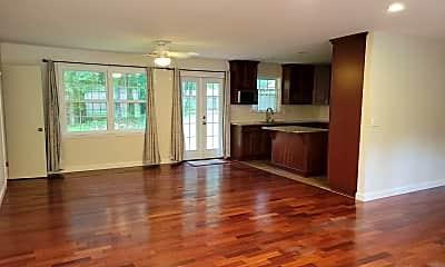 Living Room, 109 Silverleaf Dr, 1