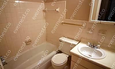 Bathroom, 613 Hillsboro Rd, 2
