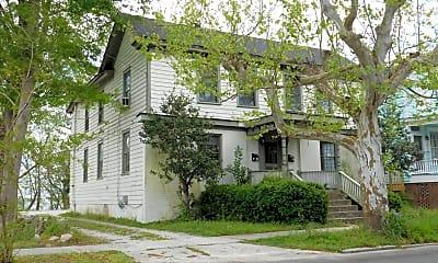 Building, 706 E Front St A, 1