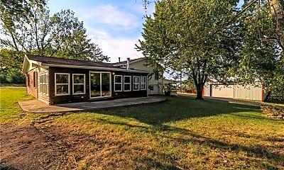 Building, 23380 Roosevelt Rd, 1