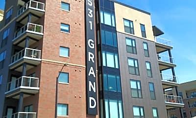 531 Grand, 1