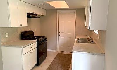 Kitchen, 1338 Tarberry Rd, 1