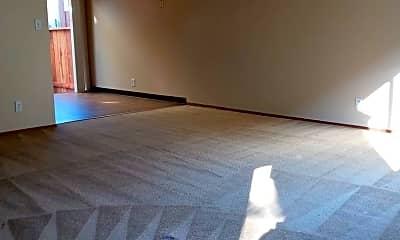 Living Room, 925 Vermont St, 1