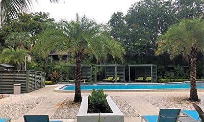 Bay Colony Apartments, 2