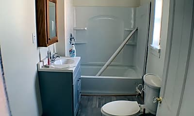 Bathroom, 2067 Magnolia Ave, 2