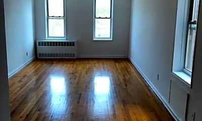 Living Room, 2701 Ocean Ave, 2