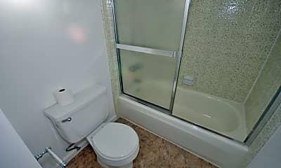 Bathroom, 334 Grand Blvd 2, 2