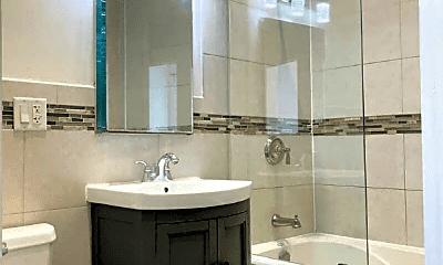 Bathroom, 450 Myrtle Ave, 2