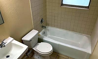Bathroom, 7917 San Jose Rd, 2