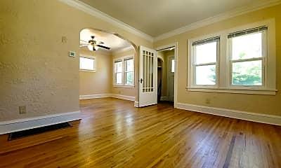 Living Room, 810 8th St SE, 1