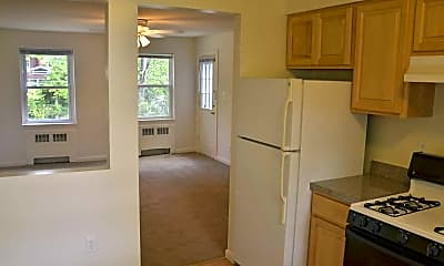 Kitchen, Bell Lake Park Apartments, 1