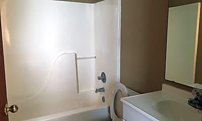 Bathroom, 154 Green Acre Cir N, 2