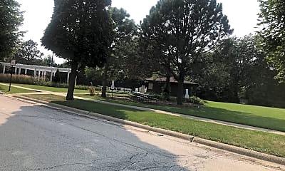 12 Oaks at Elk Grove, 2