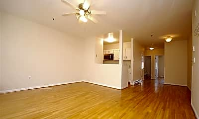 Living Room, 118 Willow Ave 3, 1