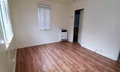 Kitchen, 1181 W 38th St, 2