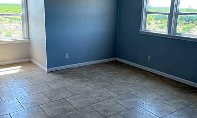 Living Room, 5781 Grove Ave, 1