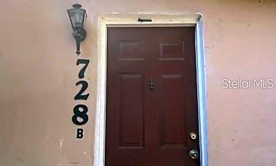 728 Columbia St, 1