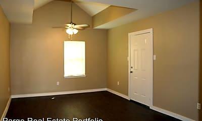 Bedroom, 916 N Gaillard St, 2