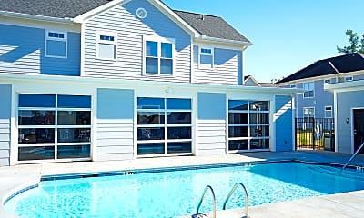 Pool, Campus Evolution Villages West, 0