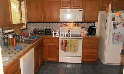 Kitchen, 2908 Reservoir Rd, 1