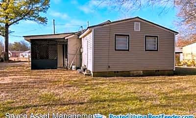 Building, 139 Houston Dr, 1