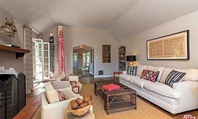Living Room, 6681 Drexel Ave, 1
