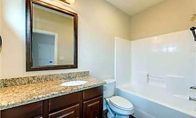 Bathroom, 405 Ash St B, 2