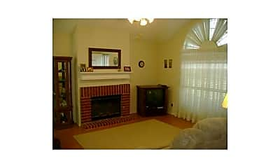 Living Room, 1817 Rose Cir, 2