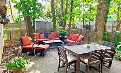 Patio / Deck, 404 2nd Ave, 2